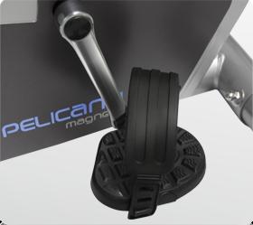 OXYGEN PELICAN II UB Велотренажер - Трехкомпонентный педальный узел и рифленые педали с регулируемыми ремешками