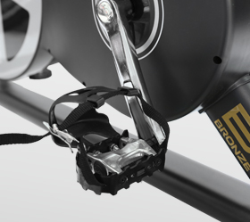 BRONZE GYM S900 PRO Спин-байк - Педали типа Toe Clip