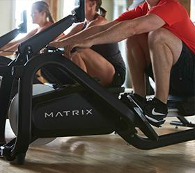 MATRIX NEW Rower Гребной тренажер - Биомеханика тренажера максимально моделирует естественную тренировку на каноэ