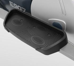 CARBON E407 Эллиптический тренажер - Антискользящие педали увеличенного размера