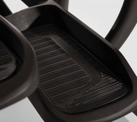 MATRIX E50XR Эллиптический эргометр - Увеличенные педали с прорезиненной вставкой