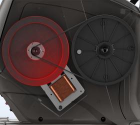 MATRIX R50XR Горизонтальный велоэргометр - Технология индукционного тормоза Exact Force™. Постоянная, точная и плавная нагрузка, изменяемая нажатием клавиши на консоли. Отсутствие движущихся деталей в механизме регулировки нагрузки делает этот тренажер одновременно очень тихим и надежным