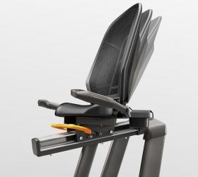 MATRIX R50XER Велоэргометр - Адаптивная экономичная спинка примет оптимальное положение для спины тренирующегося