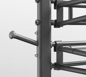 MATRIX CONNEXUS GFTORG Стационарная стойка для аксессуаров - Расположенные под углом колышки позволяют разместить все эспандеры подвесные петли и канаты в одном месте