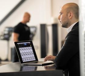MATRIX ULTRA ITC Инновационная тренировочная консоль - Встроенная система Asset Management позволит отследить, насколько грамотно используется оборудование, а также выявит ошибки и предупредит, если что-то не функционирует