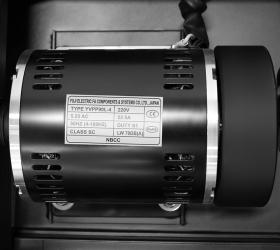 BRONZE GYM T1120 PRO Беговая дорожка - Супермощный надежный двигатель 5.25 л.с. переменного тока (8.5 л.с. в режиме пиковой мощности) от японской Fuji Electric