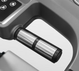 OXYGEN TECHNO T10 Беговая дорожка - Сенсорные датчики на поручнях помогают измерить частоту сердечного пульса, точность измерений при этом не является медицинской