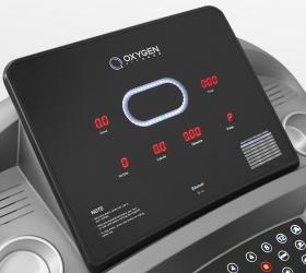 OXYGEN TECHNO T10 Беговая дорожка - Во время работы тренажера клавиши консоли подсвечиваются различными цветами за счет внутренних светодиодов, то же самое касается тренировочных показателей