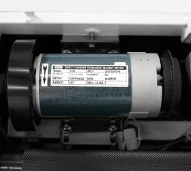 CARBON FITNESS T550 Беговая дорожка домашняя - Двигатель с мощностью в 1,75 л.с., разработанный американской компанией LEESON