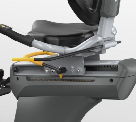 MATRIX R3XM (R3XM) Велотренажер реабилитационный - Благодаря специальному механизму, сиденье вращается на 160 градусов, что очень удобно для малоподвижных пользователей