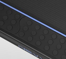 OXYGEN FITNESS NEW CLASSIC PLATINUM AC LED Беговая дорожка - Яркая полоска по краям беговой зоны и прорезиненные антискользящие накладки для большей безопасности