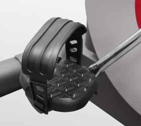 CARBON FITNESS M808 Велотренажер - Рифленые педали с регулируемыми ремешками