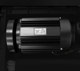 OXYGEN FITNESS NEW CLASSIC FERRUM M Беговая дорожка - Двигатель от японского производителя Fuji Electric мощностью 2.0 л.с. (постоянный ток DC)