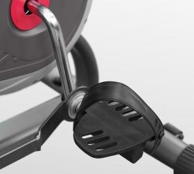CARBON FITNESS A808 Велотренажер (Assault Bike) - Антискользящие педали с прорезиненными многопозиционными ремешками