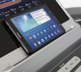 BRONZE GYM T812 LC TFT Беговая дорожка коммерческая - Подставка под смартфон или планшет