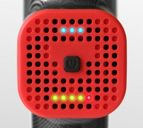 PHOENIX A1 Массажер - LED-индикаторы состояния батареи и скорости