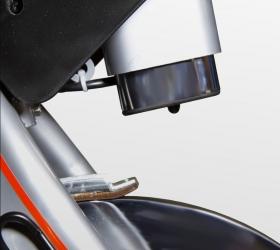 BH FITNESS i.SPADA 2 RACING Спин-байк - Второй элемент двойной тормозной системы