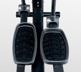 BH FITNESS KHRONOS GENERATOR Эллиптический тренажер - Расстояние между педалями 11 см