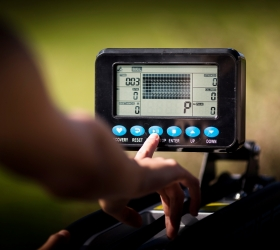 BH FITNESS CARDIFF Гребной тренажер - Черно-белый многофункциональный LCD дисплей
