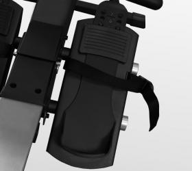 BRONZE GYM RW1000M PRO TURBO Гребной тренажер - Упорные платформы для ног с регулируемыми ремешками
