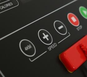 CARBON FITNESS T220 Беговая дорожка - Консоль с клавишами быстрого доступа