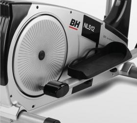 BH FITNESS NLS12 DUAL Эллиптический тренажер - Минимальное расстояние между педалями (16 см)