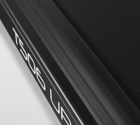 CARBON FITNESS T506 UP Беговая дорожка - Антискользящие рифленые боковые направляющие